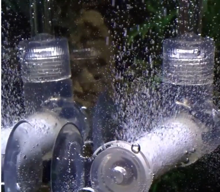 Пузырьки СО2 возле пластиковых заглушек в атомайзере